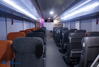 Внутренний вид зала пассажирского двухэтажного вагона модели 61-4503