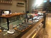 Выставка VMF 2018. Китай. Линия выдачи блюд в кафе