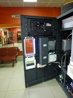 Очистке талой воды в вендинговом автомате ТАЛ-ТАЛ. Внутренности автомата по очистке воды.