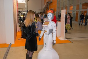 Робот на выставке VendExpo 2018 от 2 апреля 2018 г.